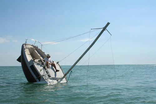 404 le bateau coule